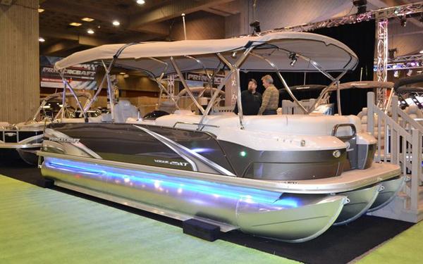Salon du bateau de montr al 2016 plus que jamais sous le for Salon bateau