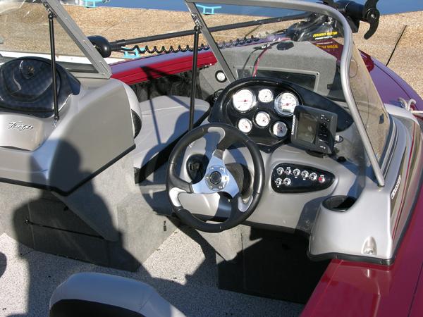 Tracker Targa V-18 Combo - Québec Yachting