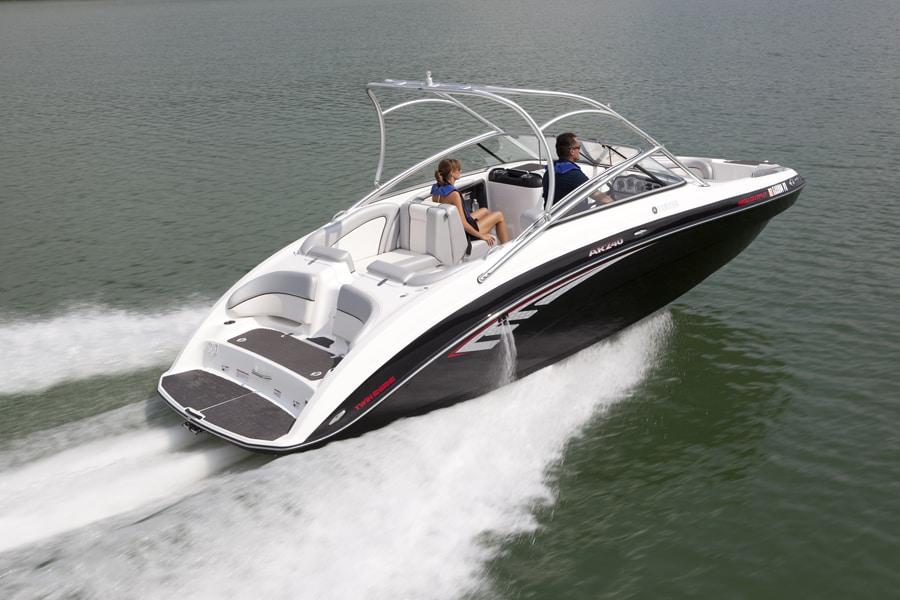 bateau yamaha