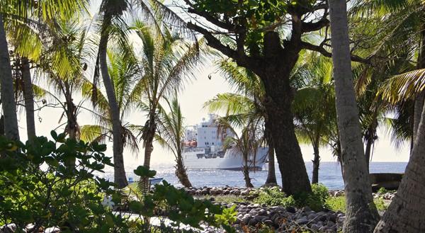 Première escale de l'Aranui 3 à l'île de Takapoto, dans l'archipel des Tuamotu.