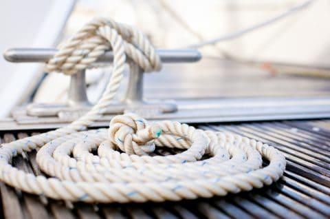 bateau - amarre - shutterstock_83834581