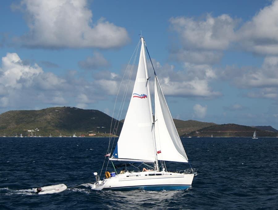 Naviguer sur la mer des Caraïbes. Crédit photo : Holger Wulschlaeger, Schutterstock.