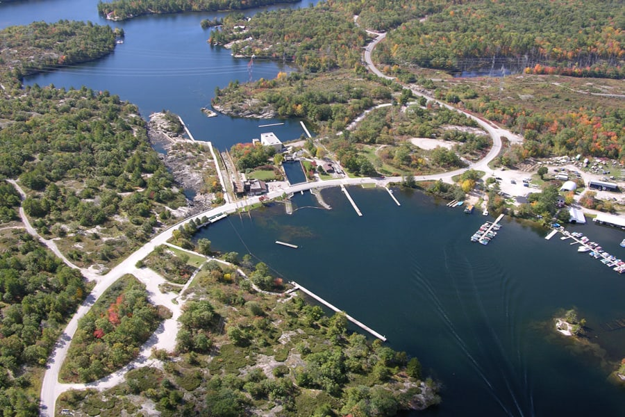 photo-2-vue-aerienne-de-big-chute-sur-la-voie-navigable-trent-severn