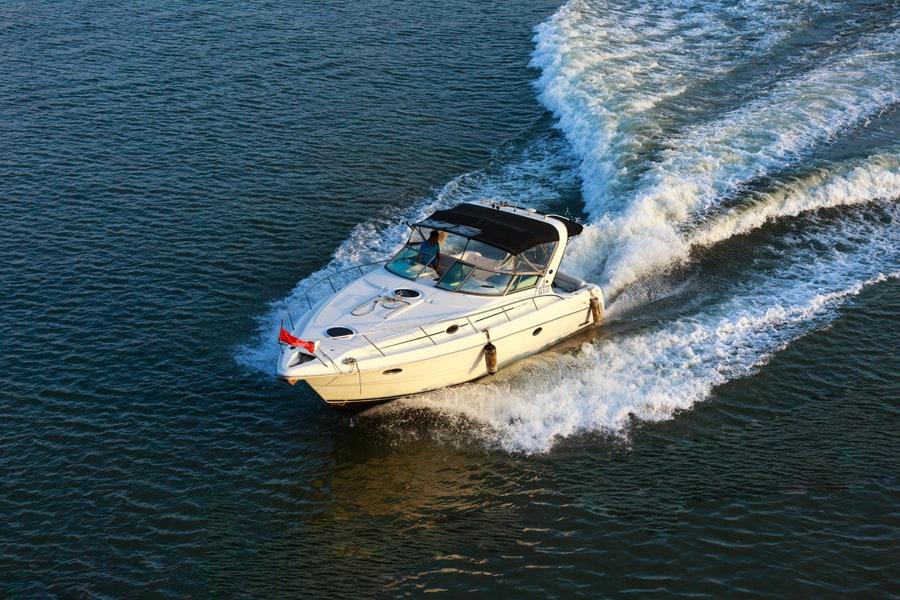 Photo 1 - Acquerir un premier bateau ou un bateau d occasion - Quang nguyen vinh - shutterstock_379129729