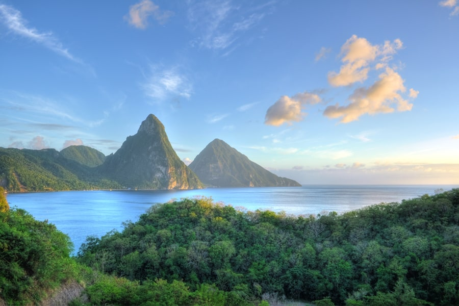 Photo 4 - Pitons a Sainte-Lucie Credit photo PlusONE Shutterstock