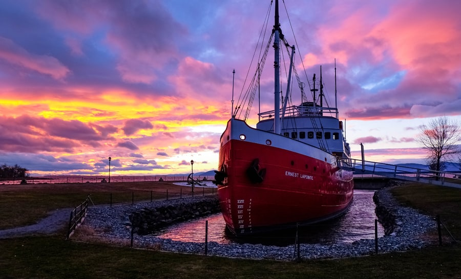 Photo 4 - Musee maritime du Quebec - brise-glace Ernest Lapointe