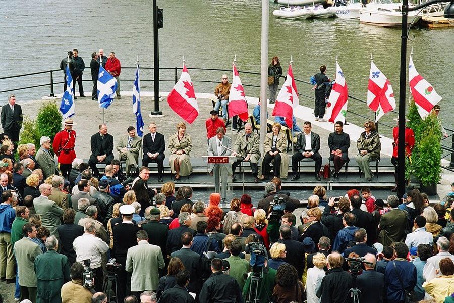 01_Ceremonie a l occasion de la reouverture a la navigation du canal de Lachine_ ParcsCanada_HD