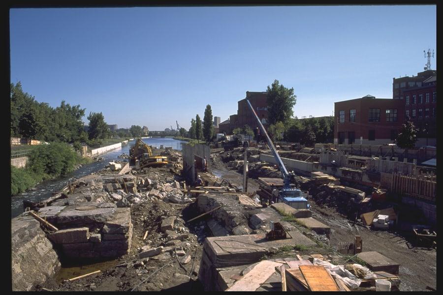 06_Travaux a l ecluse Saint-Gabriel en 2000_ParcsCanada_HD