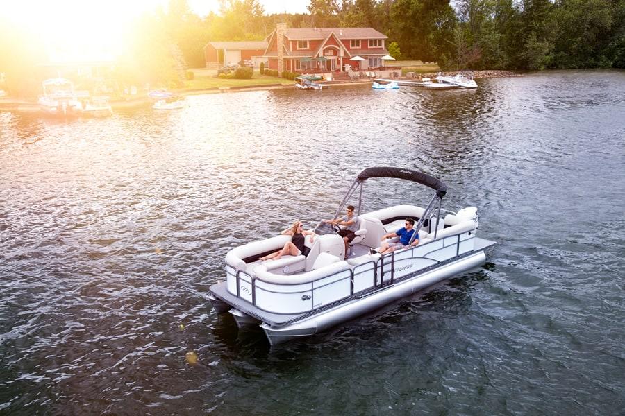 nouvelles s ries de pontons en 2018 pour manitou x plode et oasis qu bec yachting. Black Bedroom Furniture Sets. Home Design Ideas